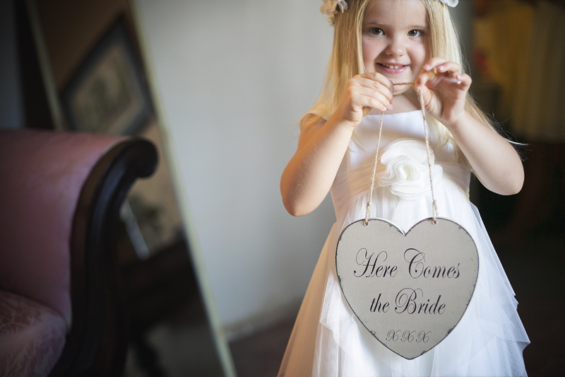 063- flower girl wedding photographer